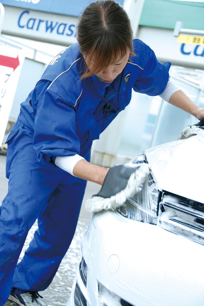コスモ石油セルフステーション東広島洗車様子